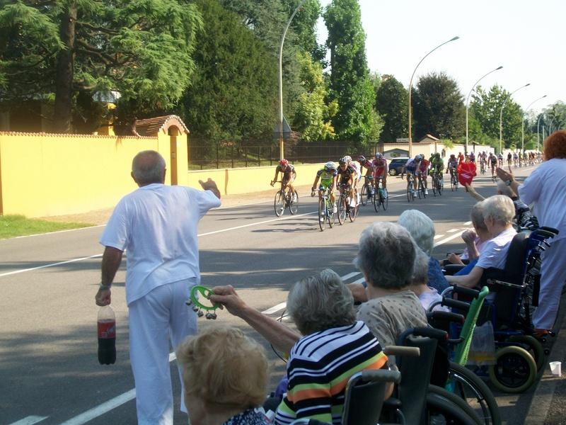 Passaggio corsa ciclistica Coppa Bernocchi